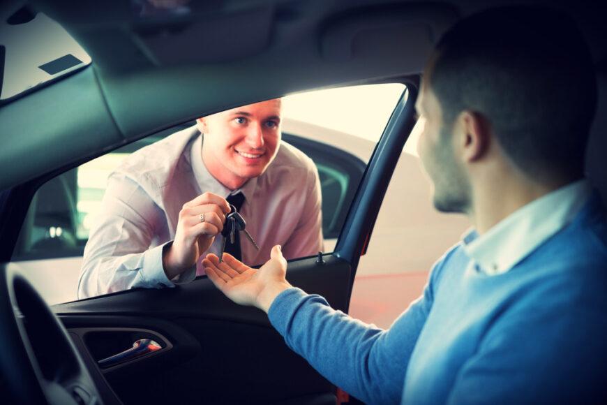 Какой автомобиль арендовать: с автоматической или механической коробкой передач?